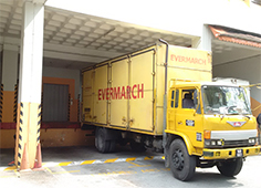 Evermarch-Truck-In-The-Warehouse